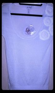 NWT⭐BCBGeneration💜 Sweater blouse w/ flowers 🌺
